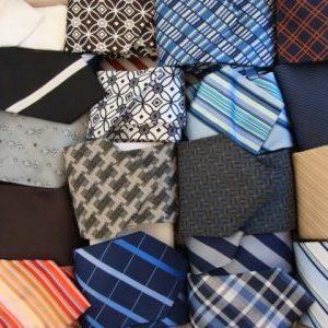 vêtements de soirée et accessoires - là ce sont des cravates ;)